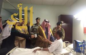 أمير الشرقية يزور مصابي حادث مسجد الرضا بالأحساء