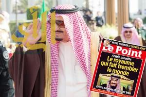 صورة الملك سلمان تتصدر غلاف مجلة فرنسية.. وتعنون: المملكة التي هزّت العالم