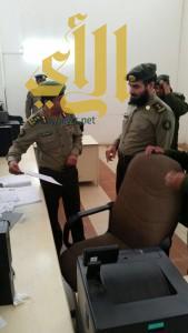 مدير جوازات منطقة عسير يتفقد شعبة جوازات خميس مشيط ويلتقي المحافظ