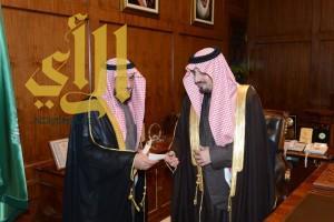 أمير عسير يستقبل مدير عام شركة ستار السعودية