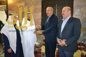 """""""سفير الأردن"""" يزور جناح الباحة بالجنادرية"""