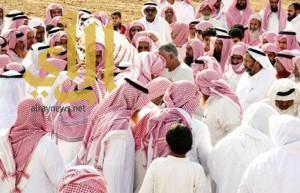 محافظ محايل ينقل تعازي القيادة لأسرة الشهيد الأسلمي