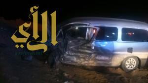 """""""16"""" إصابة بحادث سير على طريق المدنية المنورة بتبوك"""