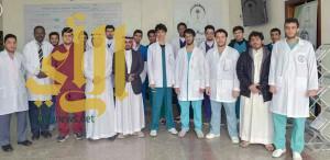 طلاب طب الباحة يزورون مركز التأهيل الشامل بالمنطقة