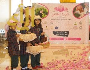 حملات ترويجية لمهرجان الورد الطائفي الـ ١٢