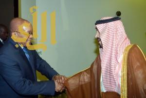 رئيس جمهورية جنوب أفريقيا يصل الرياض