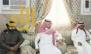 رئيس مركز بحر أبوسكينه ينقل تعازي القيادة لأسرة الشهيد الأسلمي