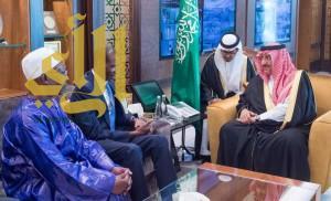 سمو ولي العهد يبحث مع وزير الداخلية السنغالي موضوعات التعاون بين المملكة والسنغال