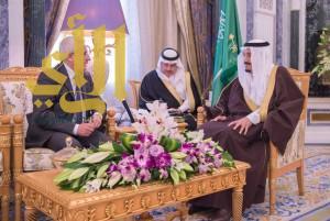 خادم الحرمين الشريفين يستقبل سفير جمهورية إيطاليا لدى المملكة