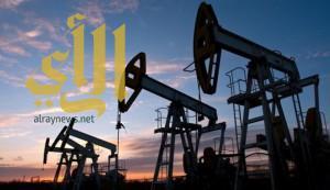 أسعار النفط ترتفع مع توقع تمديد تخفيضات الإنتاج