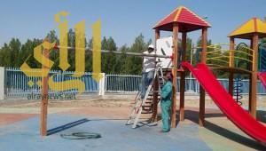 بلدية الجبيل تجري صيانة على الحدائق والألعاب بالكورنيش