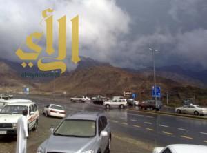 الدفاع المدني يحذّر من تقلبات جوية وعواصف على معظم مناطق المملكة
