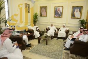 أمين المنطقة الشرقية يلتقي بوكلاء وزارة الأسكان