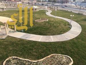 بلدية الخفجي تستكمل مضاعفة زراعة المسطحات الخضراء وتجهيز مواقع النزهه