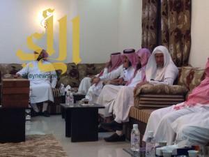 مدير الشؤون الإسلامية بالباحة يزور مكتبي الدعوة ببيدة ومعشوقة