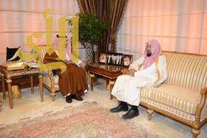 الأمير فيصل بن خالد يستقبل الشيخ الشثري