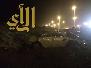 وفاة و٤ إصابات في حادث إنقلاب على طريق مهد الذهب