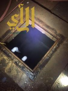 نجاة إمرأة بعد سقوطها في خزان مياه بعنيزة
