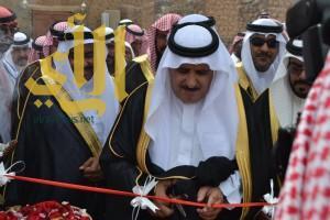 محافظ خيبر يفتتح فعاليات مهرجان خيبر للتراث الشعبي
