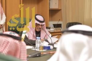 الأمير مشاري بن سعود يرأس اجتماع لجنة توطين الوظائف