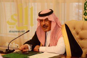 أمير الباحة يتابع حالة الهبوط الاضطراري للطائرة السودانية بمطار الملك سعود