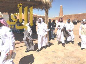 سياحة وضيافة يرفع اعداد زوار القرية التراثية في عيون الجواء