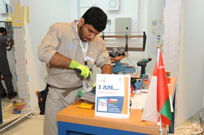 متسابق من سلطنة عمان