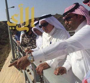 وزير المياه والكهرباء يتفقد سد وادي بيش بجازان