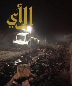 مدني الطائف يتلقى أمس أكثر من 3000  بلاغ لحوادث متفرقة جراء الأمطار الغزيرة