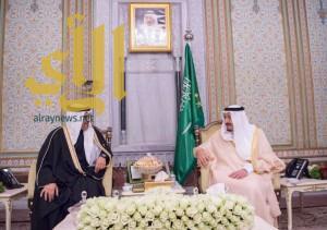 خادم الحرمين الشريفين يستقبل بمقر إقامته في اسطنبول ولي عهد مملكة البحرين