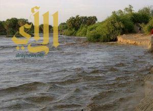 إخلاء قرية قلبيه احترازياً بسبب ارتفاع منسوب المياه بوادي بيش