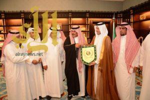 أمير الباحة يستقبل رئيس وأعضاء نادي العين الرياضي