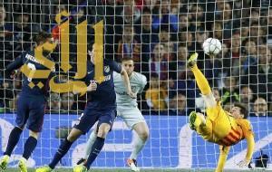 سواريز يقود برشلونة لتحقيق فوز صعب على أتلتيكو