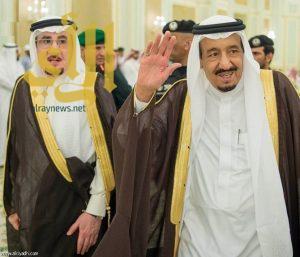 الملك سلمان يستقبل وزير العمل وممثلي أصحاب المهن العاملين بالقطاع الخاص