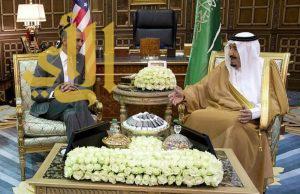 خادم الحرمين يستقبل الرئيس الأمريكي أوباما في قصره بالرياض