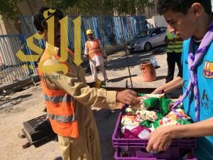 200 وجبة إفطار من الكشافة للعمالة في العاصمة الرياض