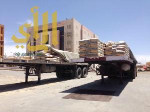 بالصور .. سوق معدات البناء والأغنام يحاصر الإدارات الحكومية في قلب النماص