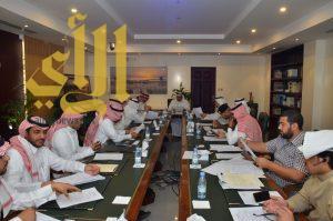 أمين الشرقية يعقد اجتماعاً مع الجهات الحكومية