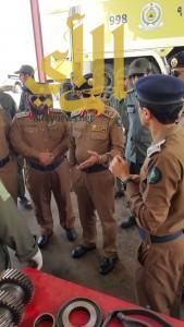 """اللواء """"الحارثي"""" يتفقد سير العمل بمقر شعبة الصيانة للدفاع المدني بعسير"""