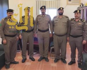 مدير شرطة محافظة طريب يقلد آل العبد وآل جميح رتبتهما الجديدة