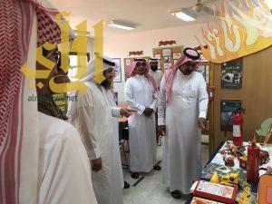 مدير مكتب التعليم بطريب يزور المعرض الدائم بمدرسة حنين