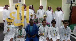 متوسطة الحارث بن نوفل تحقق مداليتين ذهبيتين وفضية على مستوى مدارس الرياض