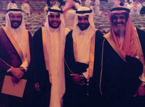 """د. سالم القحطاني يحتفل بتخرّج ابنه """"سياف"""" من كلية الطب"""
