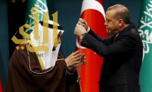 أردوغان يستقبل خادم الحرمين الشريفين في القصر الرئاسي بأنقرة