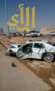 إنقلاب مركبة عائلة على طريق مكة الرياض يخلف وفاة إمرأة وثلاث إصابة