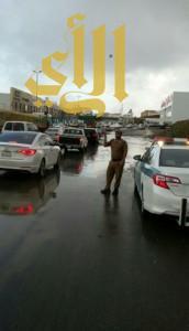 إغلاق طريق الملك عبدالله بسبب سقوط جسر تحت الإنشاء بأبها