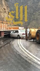 تسع حوادث مرورية تُصيب 18 شخصاً في تقلبات أجواء الباحة