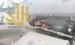 إحباط تهريب 202 زجاجة خمر و128 كيساً من نبات القورو في جسر الملك فهد