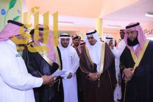 محافظ بيشة يدشن برنامج كلاسيرا في ابتدائية الإمام الترمذي