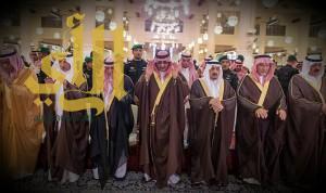 نائب الملك يؤدي صلاة الميت على الأميرة سارة بنت سعود الكبير